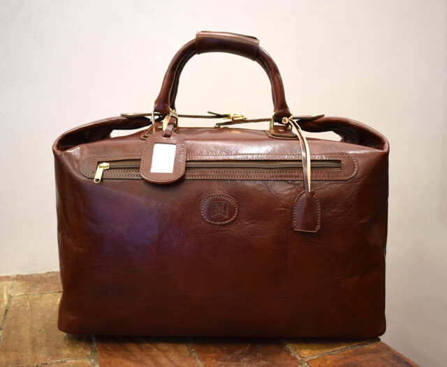 Leather Cube, italian handmade leather travel bag - Mancini Leather Since 1918